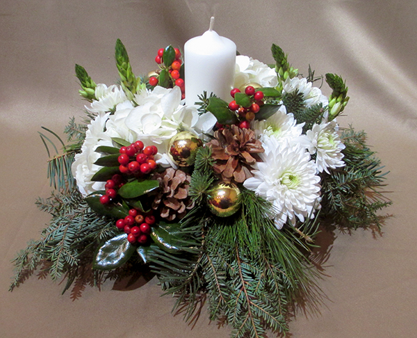 Snow fall centerpiece floral accents