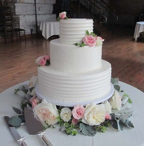 Cake flowers with Pink and Ivory Roses